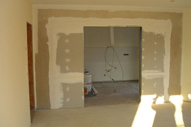 f r die schiebet r zwischen k che und wohn essbereich wurden heute die trockenbauw nde. Black Bedroom Furniture Sets. Home Design Ideas